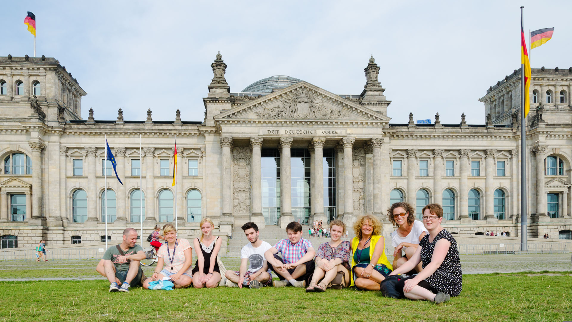 City walks, here to the Reichstag, are part of the after class activities