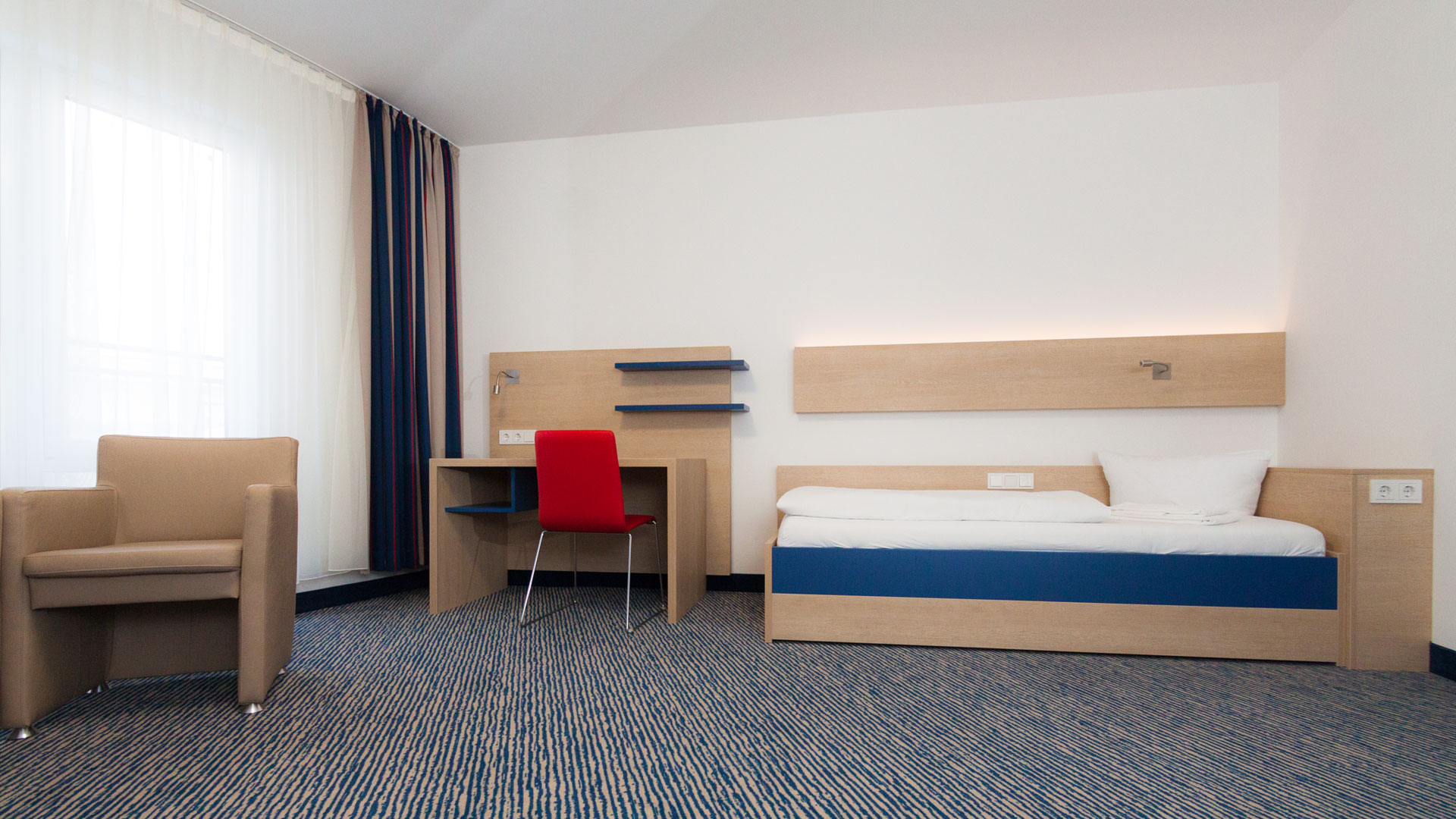 Accommodation: Example of a single room in the student residence